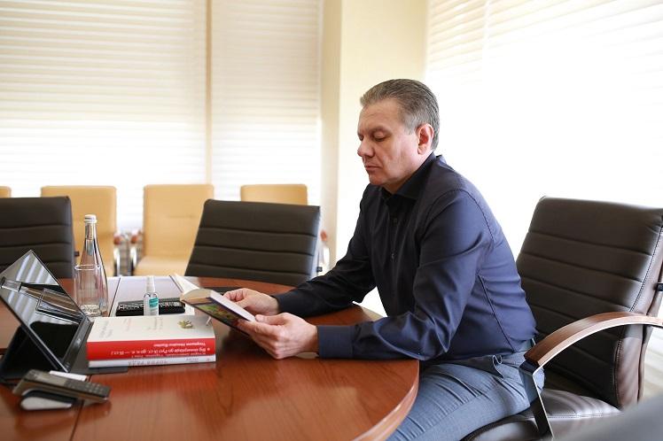 Мер Вінниці обговорив з видавцем книжкові проєкти (ФОТО)