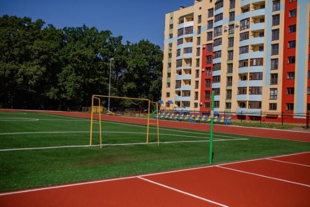 Нова школа на Поділлі готова прийняти 1200 юних вінничан (ФОТО)