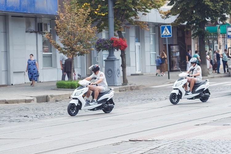 Вінницька інспекція з паркування отримала електроскутери (ФОТО)