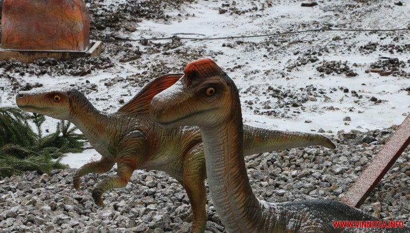 У вінницькому зоопарку з'явилися нові фігури роботизованих динозаврів