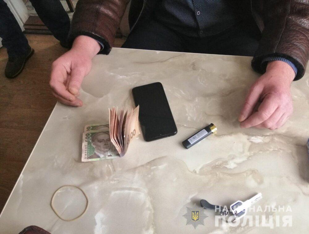 При час отримання 6500 гривень хабаря затримали посадовця «Вінницяобленерго»