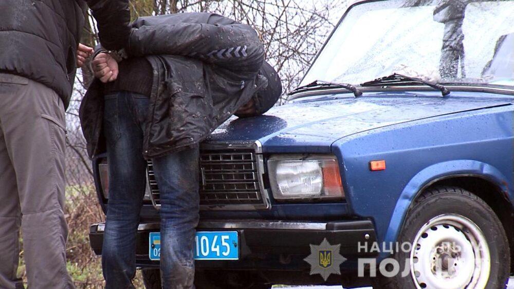 Автокрадій із Запоріжжя викрав «ВАЗ» у вінничанина, від правоохоронців - утікав пішки