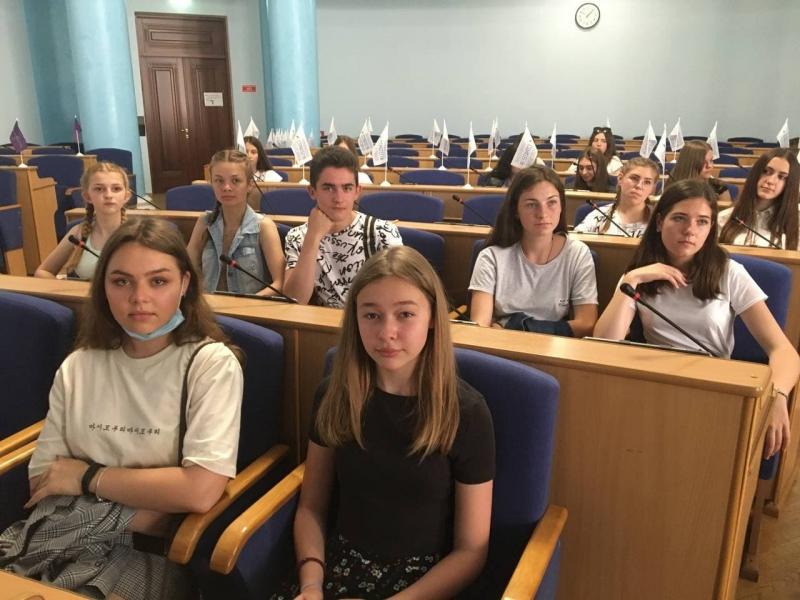 Роботу обласної ради вивчали представники молодіжної ради при Шаргородському міському голові