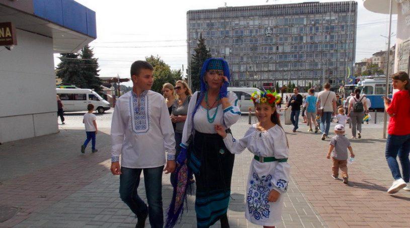 У Вінниці серед жінок поважного віку проводять конкурс краси